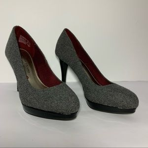 Christian Siriano Grey Black Platform Pump Heels 6
